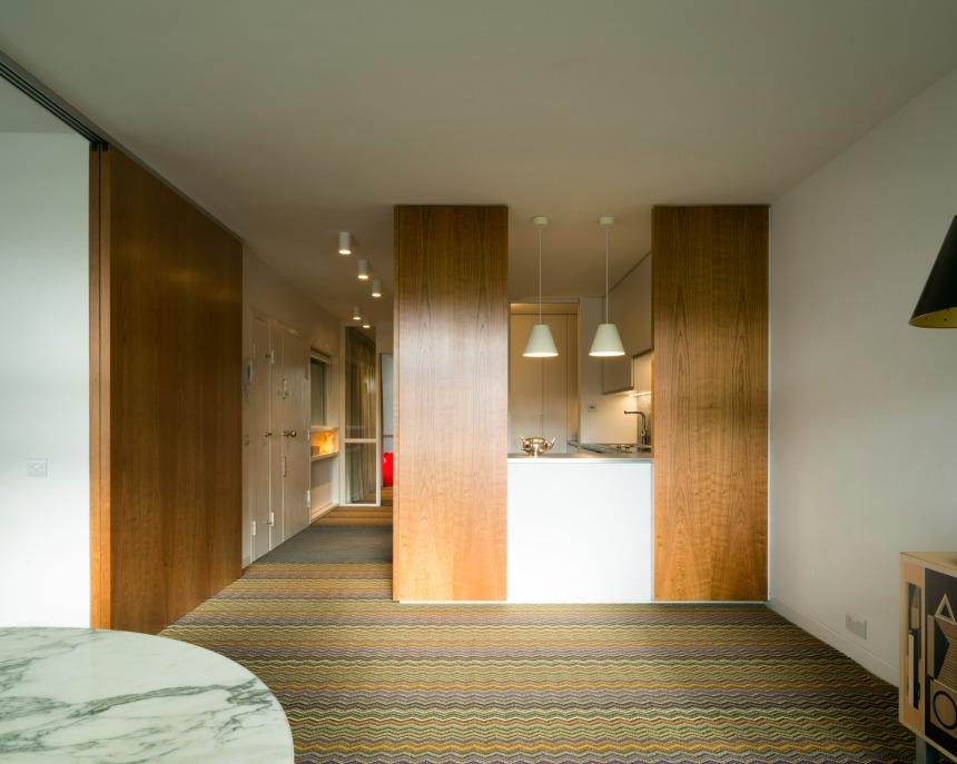 barbican-flat-azman-architects-interiors-apartments-residential-london-uk_dezeen_2364_col_4.jpg