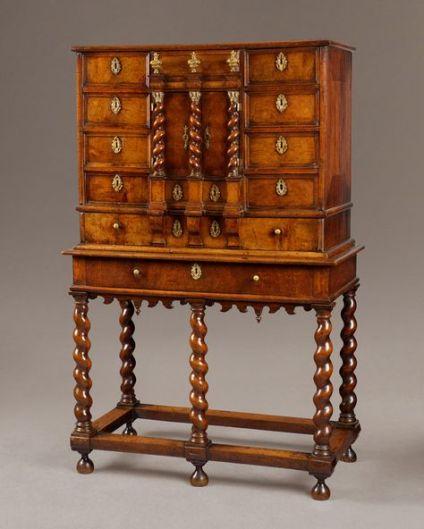 c5dfed1a8030c880cc362add1c967c0c--walnut-cabinets-antique-clocks
